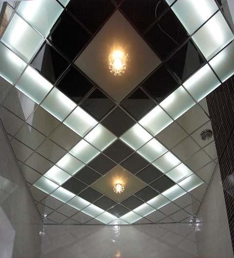плиточный зеркальный потолок