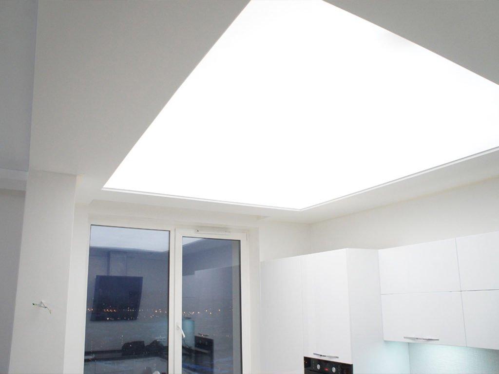 способ освещения натяжного потолка - потолок плафон