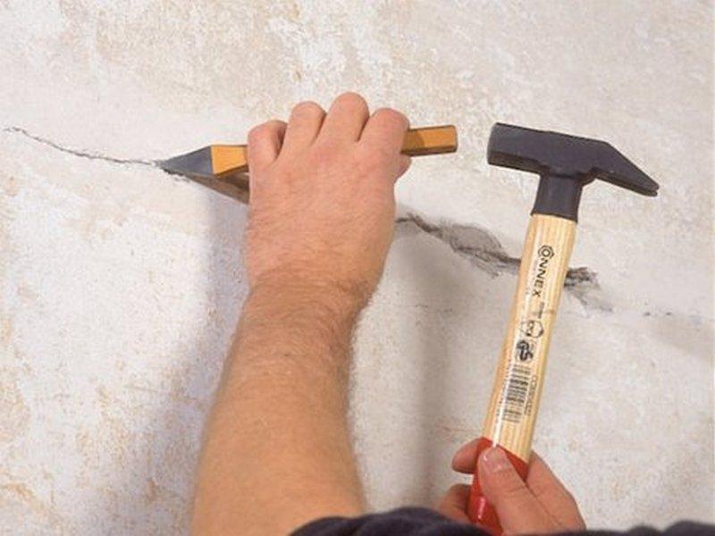 Расширение трещин для заделки трещин